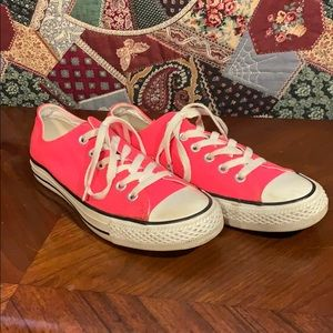 Pink Converse women's All-Star size 6